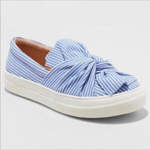⬇️A New Day Mellie Striped Knotted Sneakers
